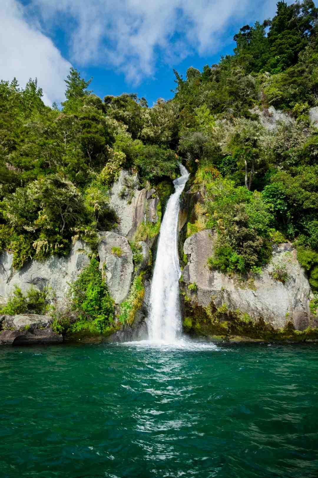 Einen kleinen Wasserfall bauen