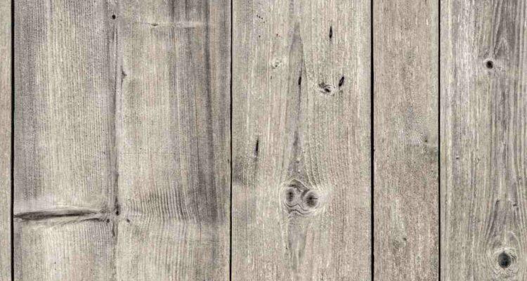 Öl aus Holz entfernen