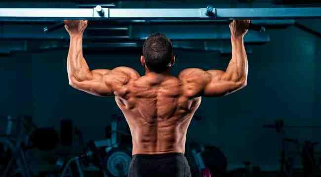 Was bedeuten Schmerzen zwischen den Schulterblättern?