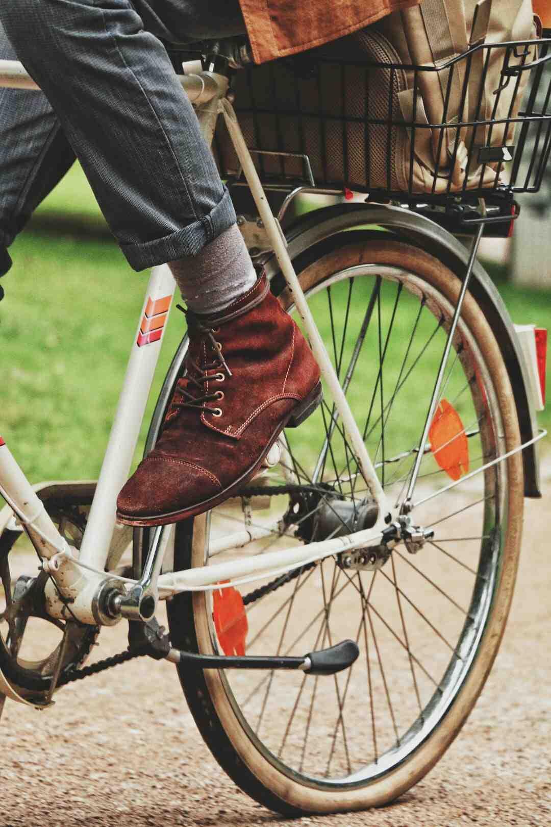 Wie reinigt man Birkenstock Fußbett?