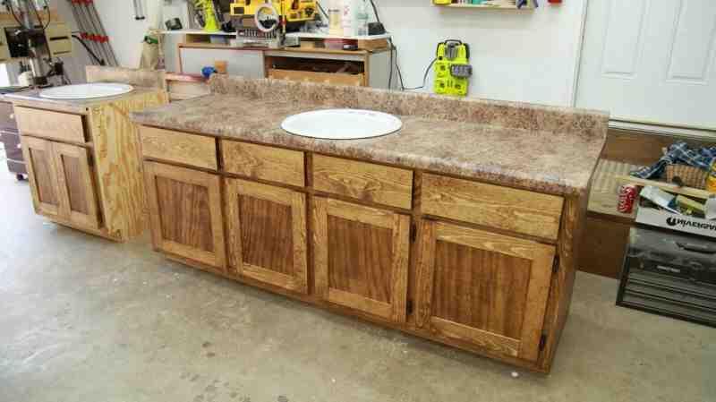 Wie breit ist ein Küchenschrank?